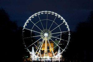 パリの冬の顔コンコルド広場の大観覧車